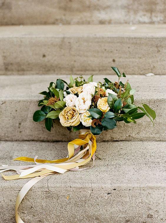 bouquet matrimonio ocra e verde