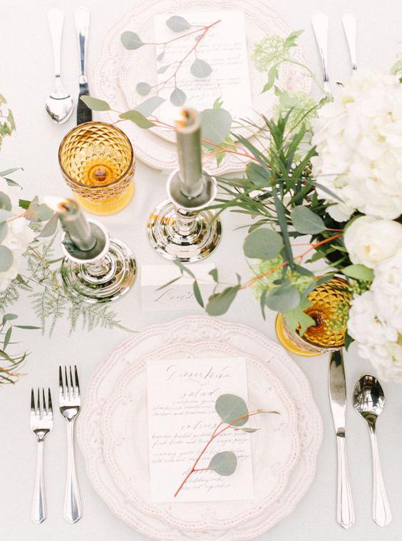 tavola matrimonio ocra e verde