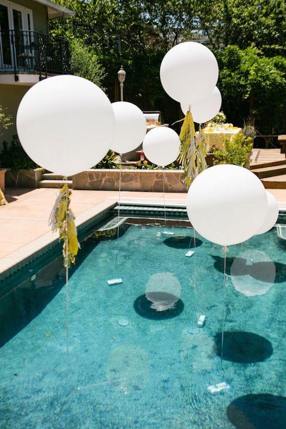 matrimonio allestimento piscina palloni bianchi