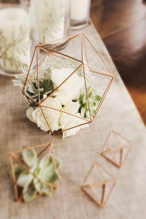 decorazione tavola matrimonio rame fiori e succulente