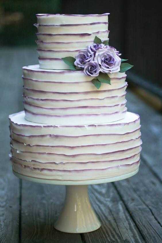 torta matrimonio con sfumature viola