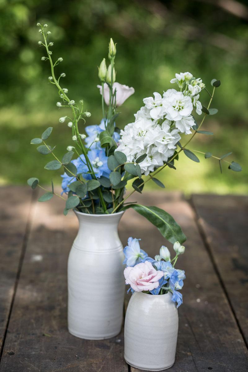 allestimento matrimonio vasi con fiori