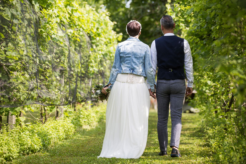 coppia di sposi matrimonio campestre udine