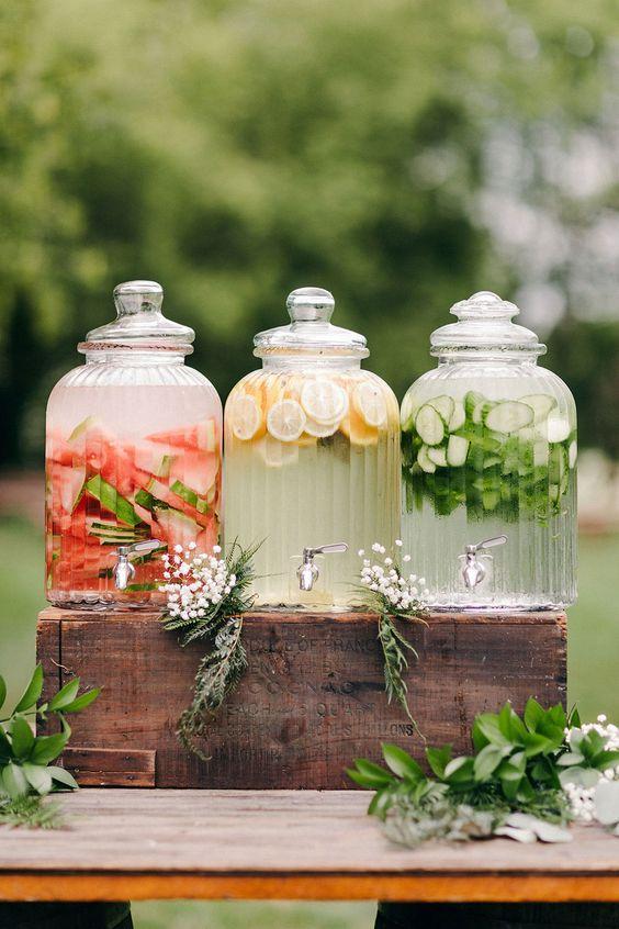 dispenser con acque aromatizzate